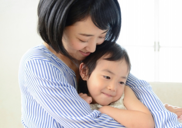 怒っても何をしても治らない!子どもの人に対する噛み癖にはどう対処すべき?